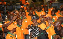 YouWin PIX 2. L-R; CME/Minister of Finance, Dr. Ngozi Okonjo-Iweala, (M) with Cross section of Beneficial of YouWin during a interactive and thank you by YOUWIN First Batch winners at the Ministry in Abuja./ PHOTO; SUNDAY AGHAEZE JULY 1 2013.